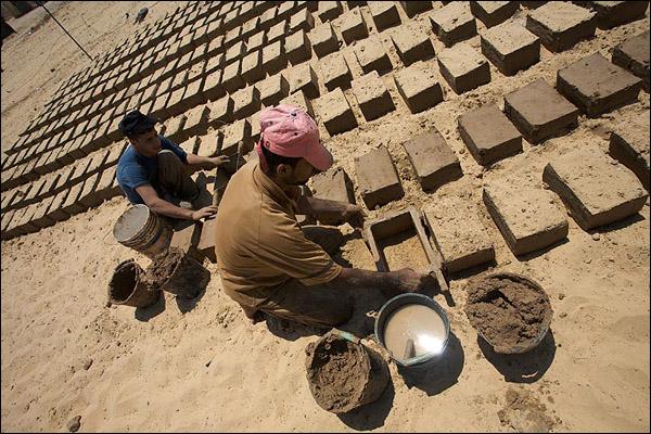 تصنيع الطوب الطيني